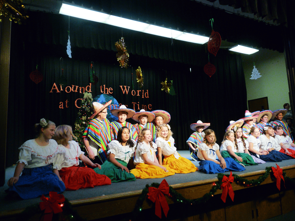 Christmas program and nativity in Alamo