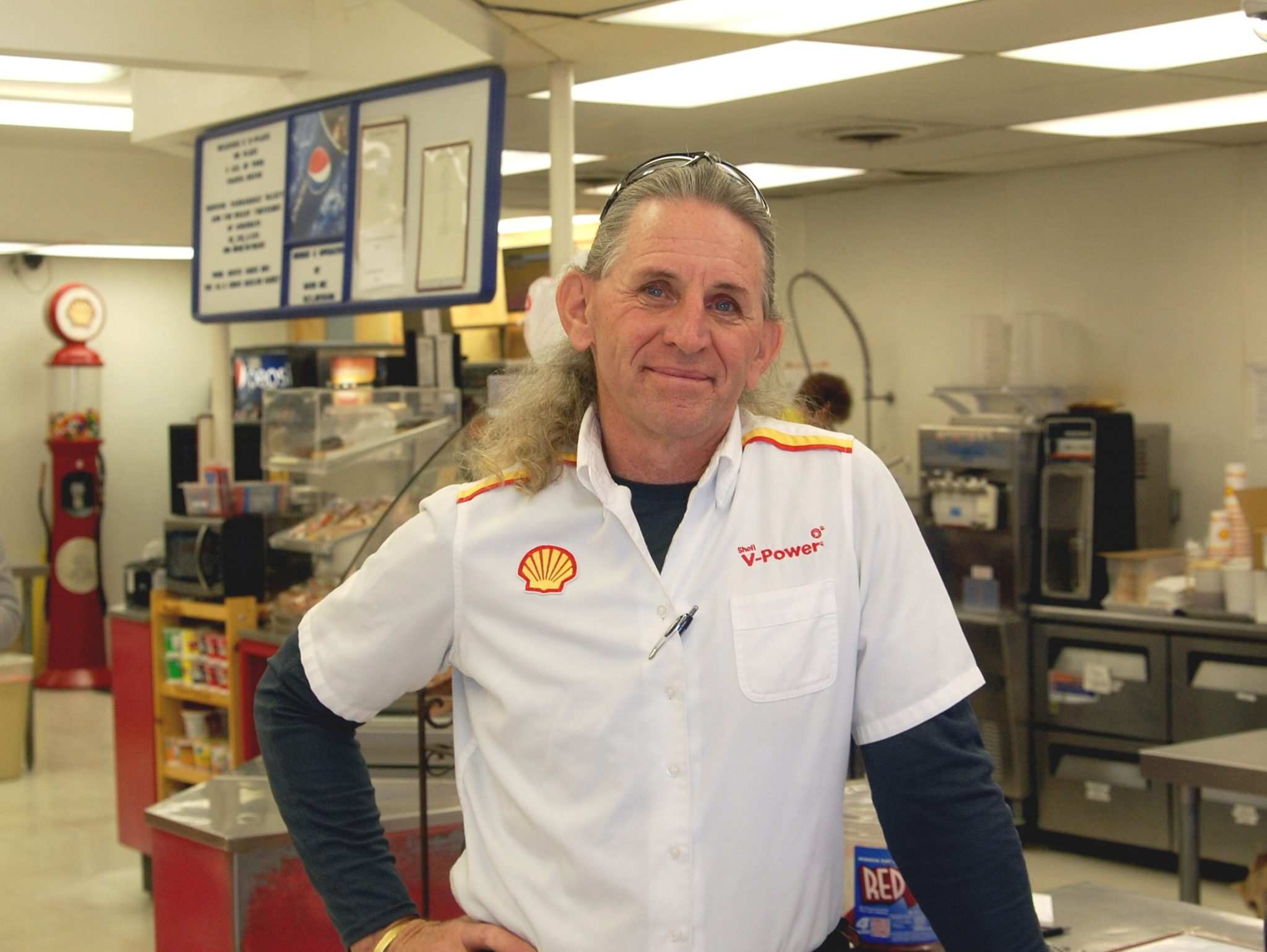 R-Place Shell station thrives in Lincoln County
