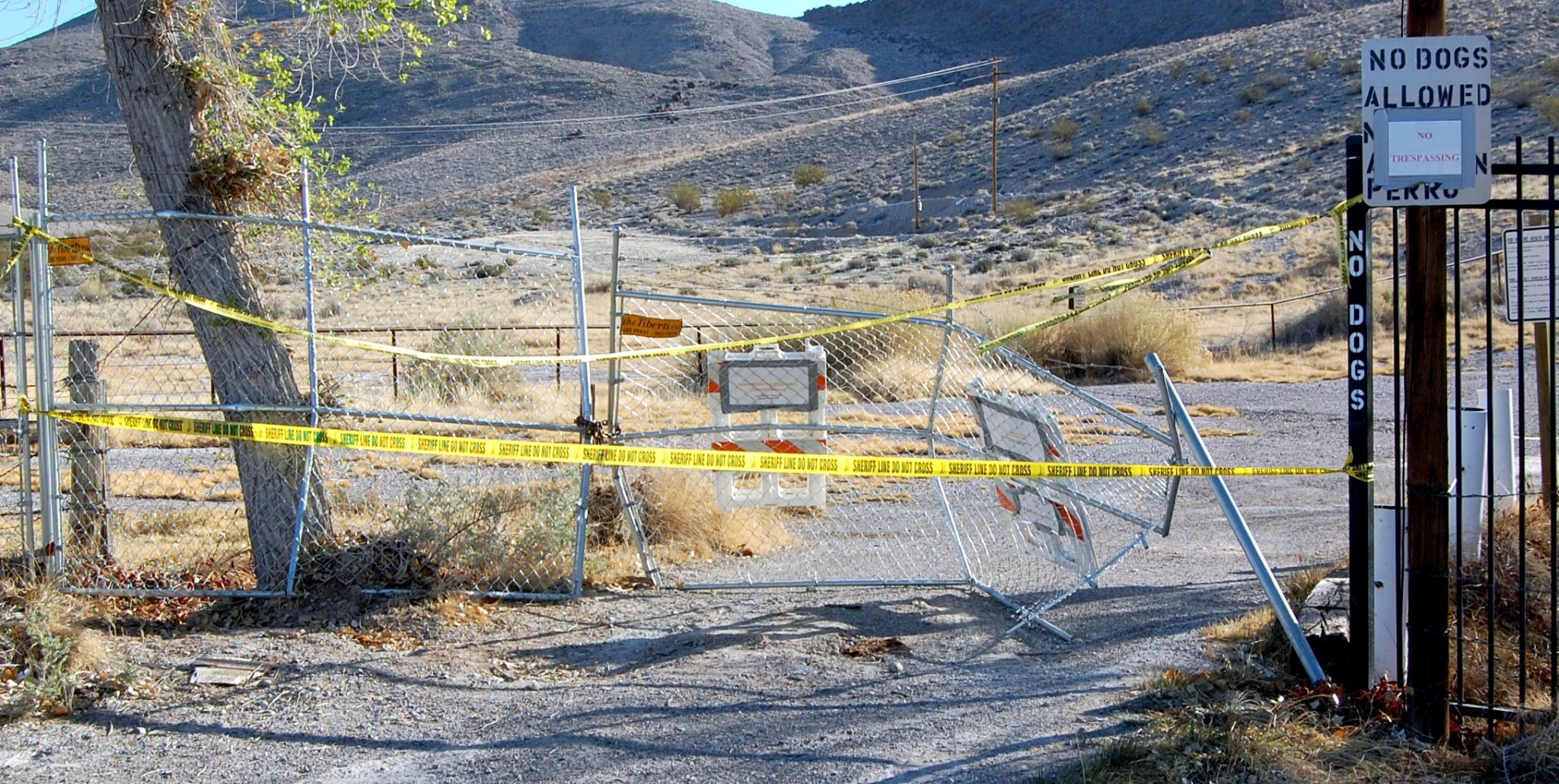 Vandals smash entrance gate of closed Little Ash Springs