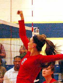 Volleyball Teams Start League Play with Wins
