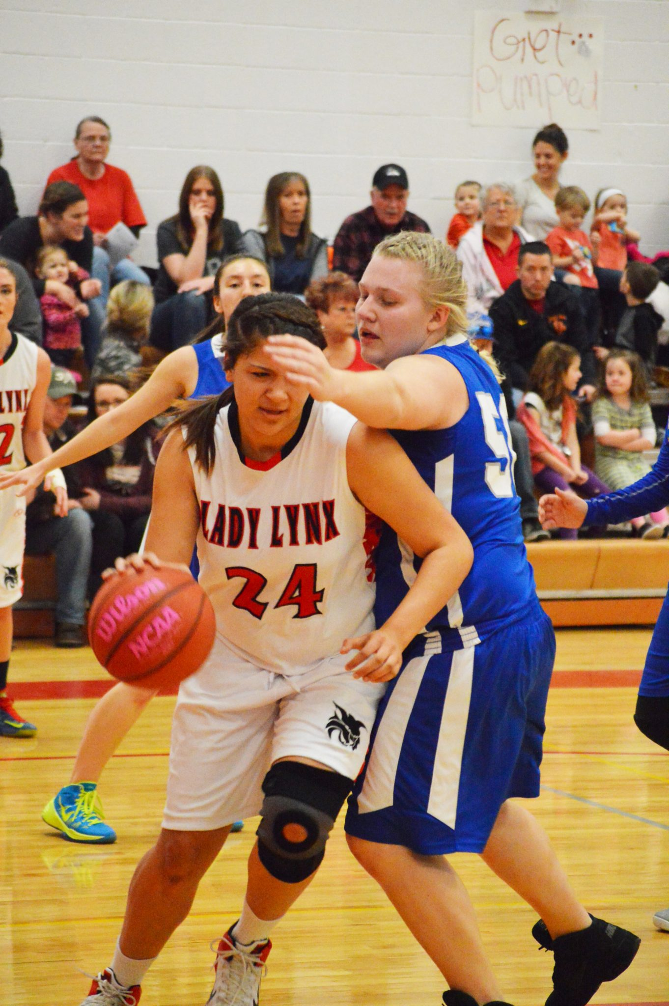 Lady Lynx remain in first place