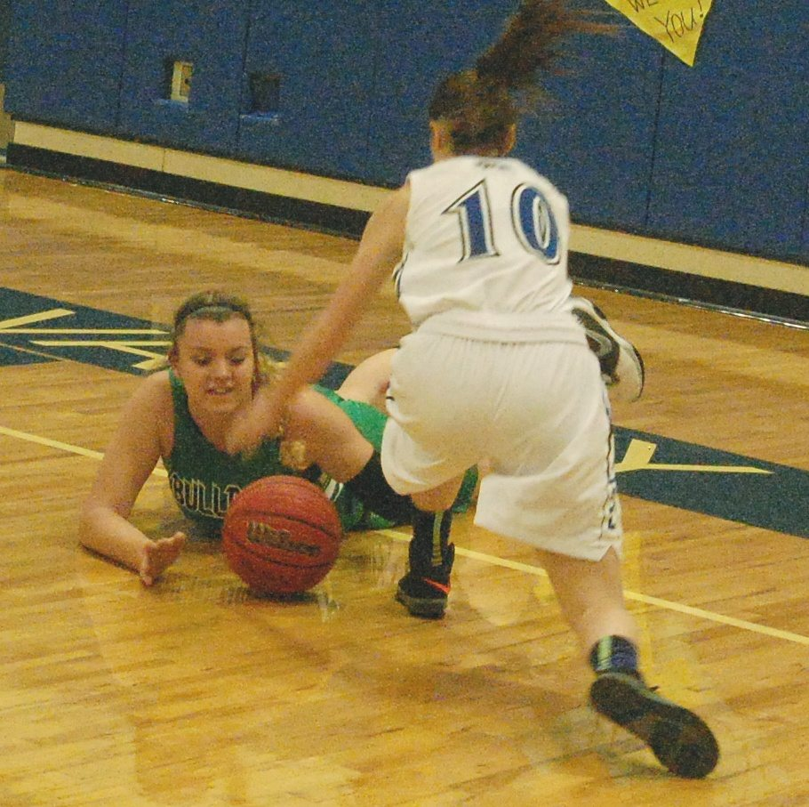 Lady Panthers pull out 2-point win