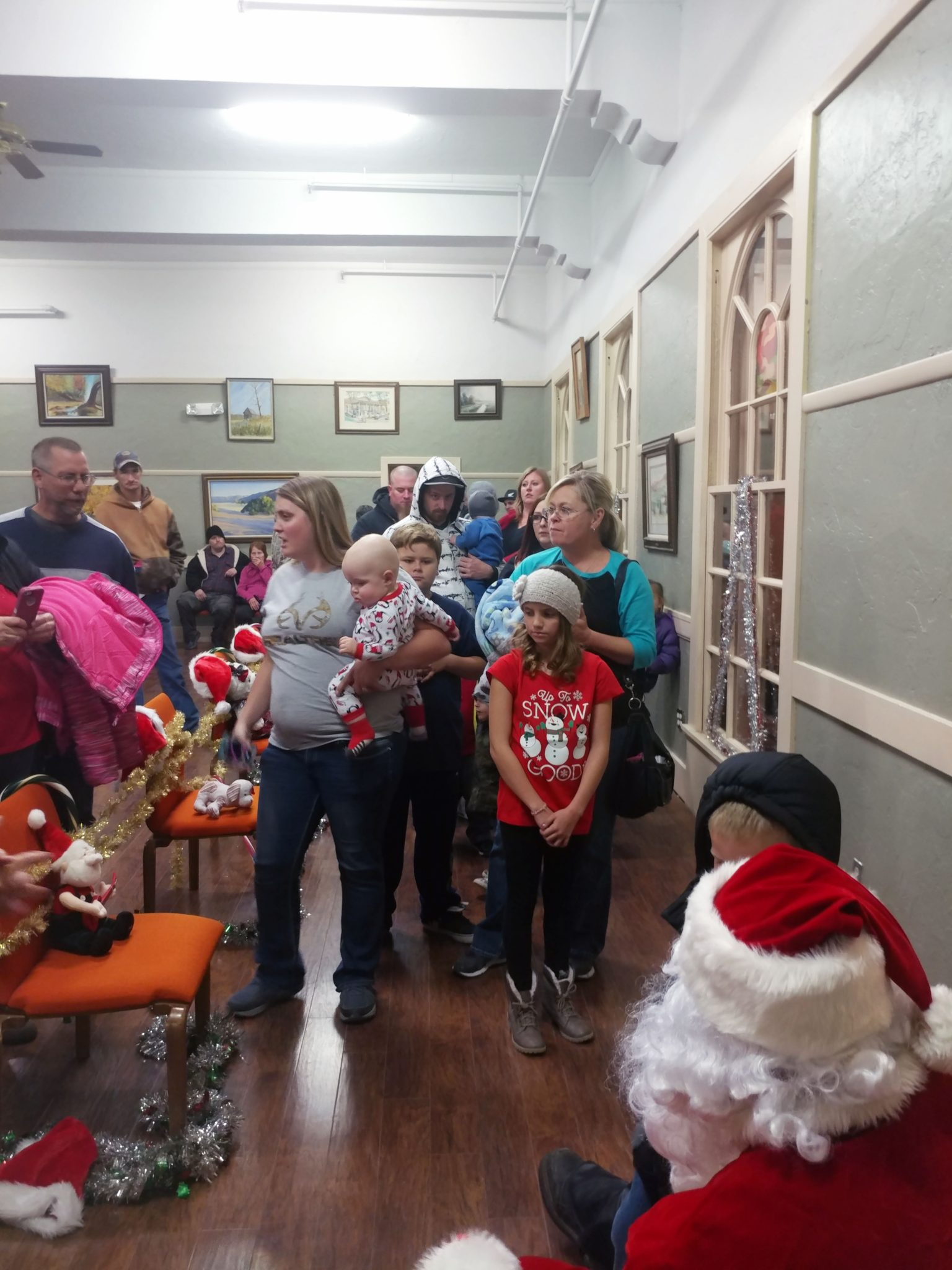 Caliente holds Tree Lighting Event