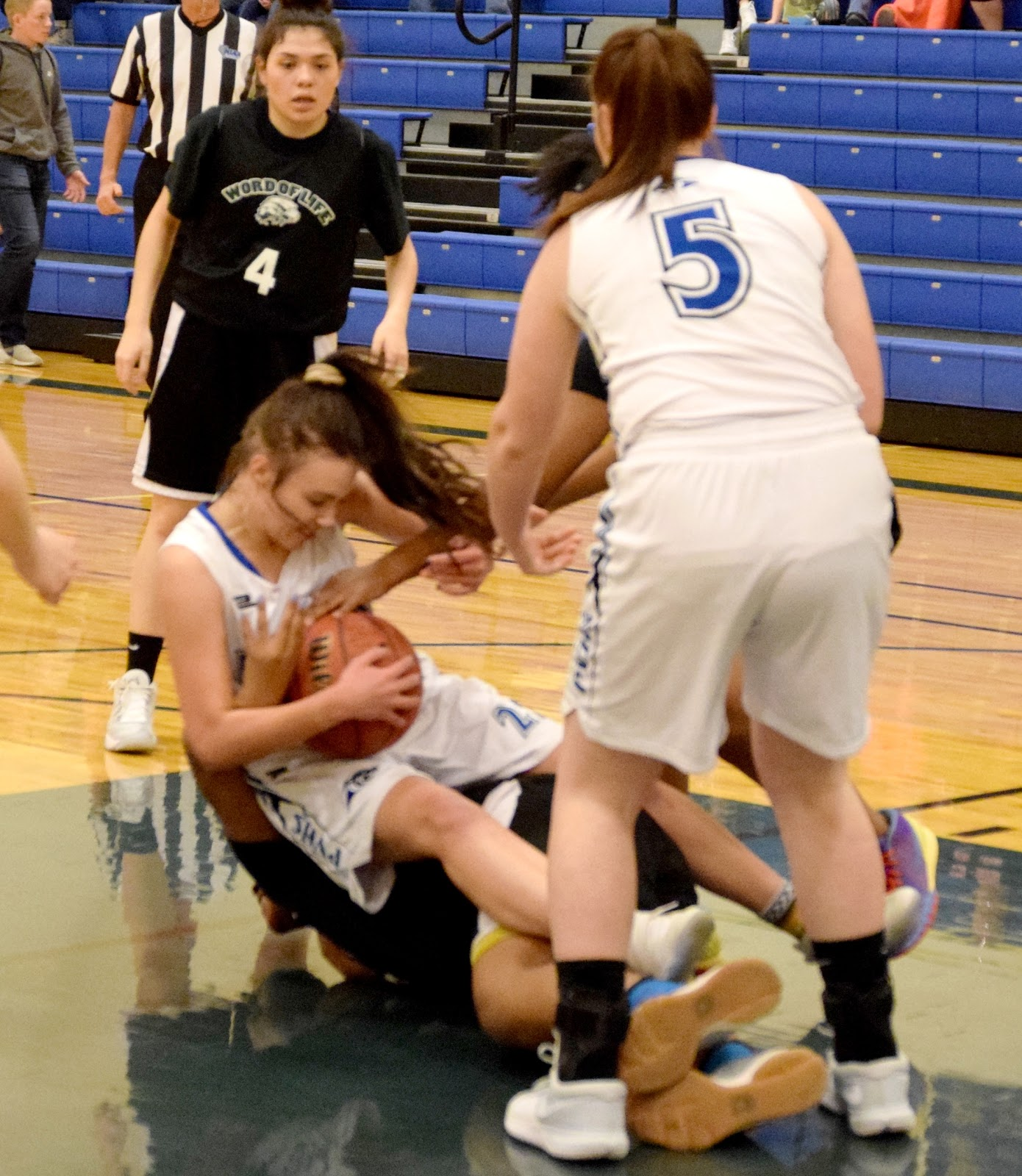Panther Girls Remain League Leaders