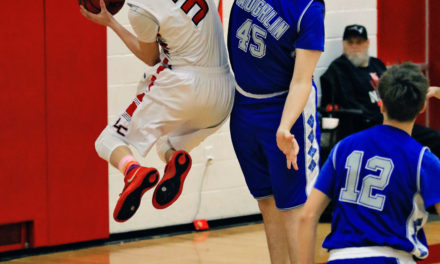 Lincoln boys suffer tough loss against Needles, defeat Laughlin