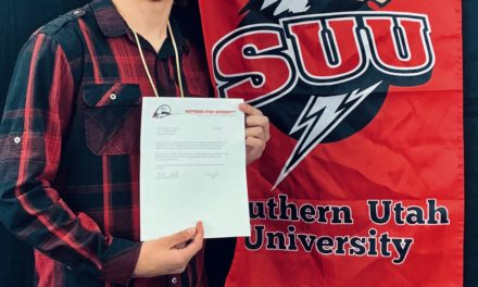 Lynx standout signs with SUU