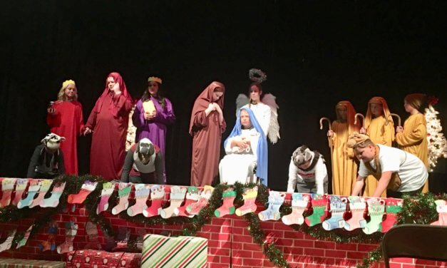 Caliente students present annual holiday play