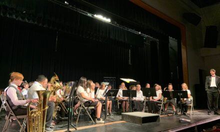 LCHS choir and band performs annual concert