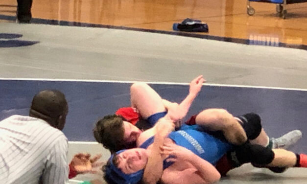 Lincoln wrestlers take 2nd at regionals