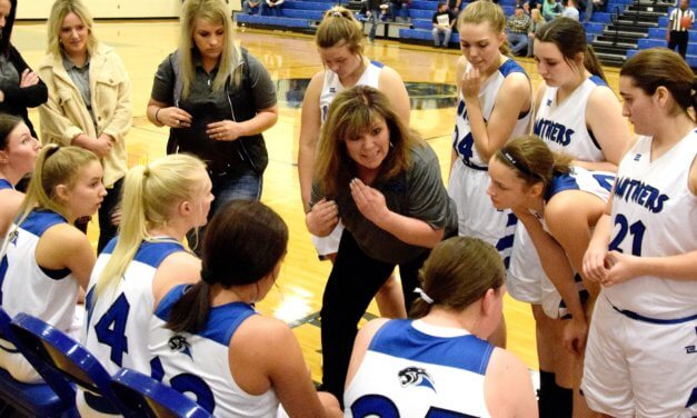 Panther girls take league lead